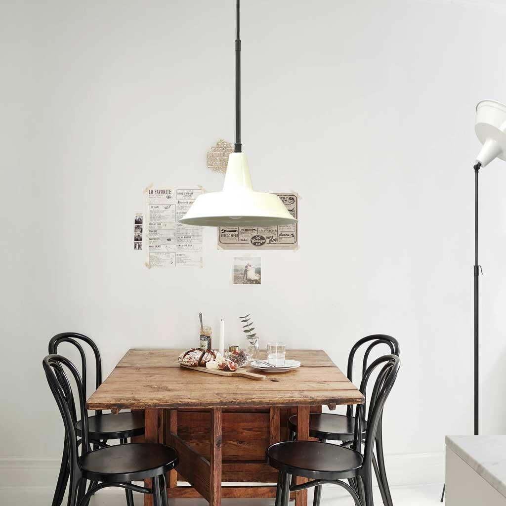 h ngelampe plumming dunkelsilber mit wei em schirm restyle24. Black Bedroom Furniture Sets. Home Design Ideas